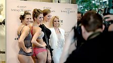 New York, London, Oberhausen: Britney Spears zeigt ihre Unterwäsche
