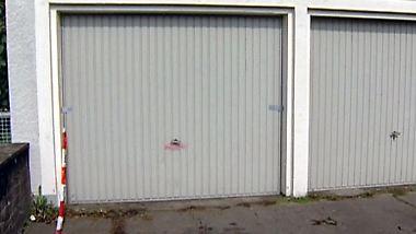 Nackt in Garage eingesperrt: Polizei sucht Mann und findet gefesseltes Mädchen
