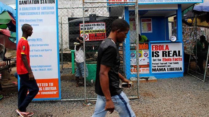 Aufklärung und Hilfsmaterialien erhält man in Monrovia (Liberia) auch an eigens dafür errichtete Kioske.