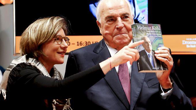 Helmut Kohl und seine Frau Maike Kohl-Richter bei der Präsentation des Buches.
