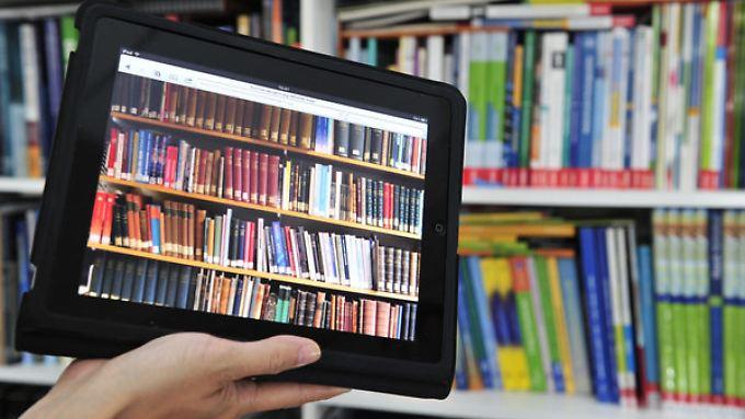Tablets und Laptops haben PC bei Privatkunden längst den Rang abgelaufen.
