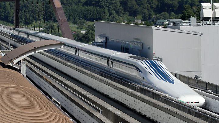 Die Magnetschwebebahn Maglev soll eine Höchstgeschwindigkeit von mehr als 500 Kilometern in der Stunde erreichen.