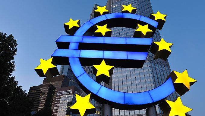 Die Europäische Zentralbank (EZB) belässt ihren Leitzins auf dem Rekordtief von 0,05 Prozent.