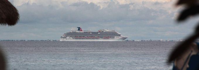 Eingesperrt auf einem Kreuzfahrtschiff: Die Quarantäneregeln auf See erlauben keine Ausnahmen (Die Carnival Magic in den Gewässern vor Mexiko).