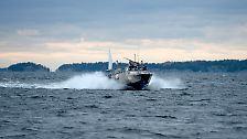 Stockholm zeigt Foto: Schweden jagt das Rätsel-Schiff