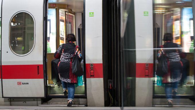 Nach 50 Stunden gibt es bei der Bahn seit dem Morgen wieder einen Regelbetrieb.