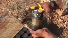 Chlorgas-Einsatz in Kobane?: IS-Kämpfer zeigen in Video deutsche Handgranaten