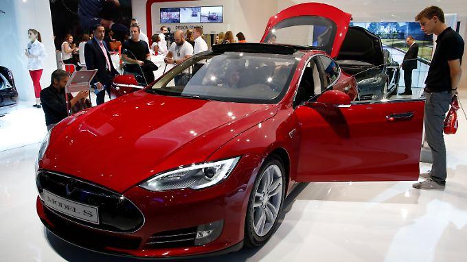 Der Tesla Model S ist laut dem Unternehmen die erste elektrisch angetriebene Limousine der Premium-Klasse.