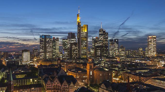 Die Commerzbank ist die erste der europäischen Banken, die Strafzinsen einführen wird.