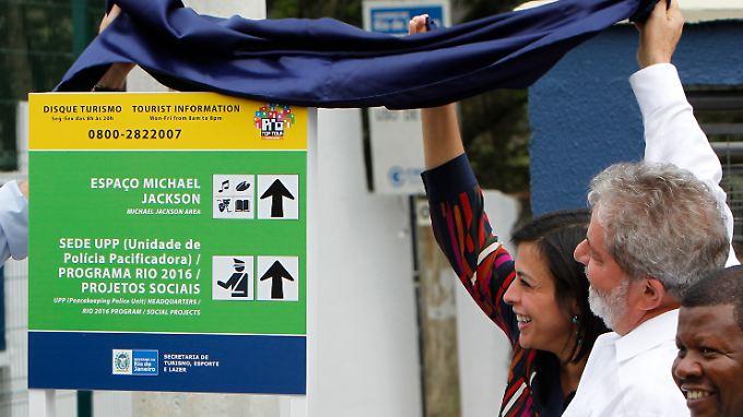 Präsident Lula da Silva enthüllt einen Wegweiser für Touristen ...