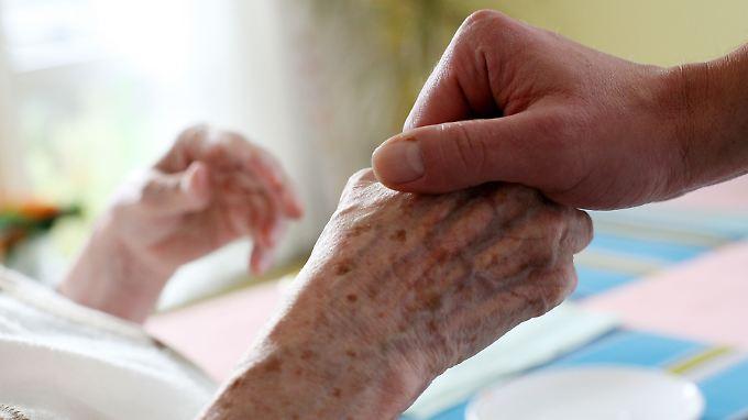Für die freiwilligen Sterbebegleiter sei die Arbeit eine Herzenssache.