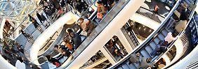Käufer meiden Kleidung: Einzelhandel erlebt Umsatz-Schock