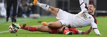 In Düsseldorf wurde mit harten Bandagen gekämpft.