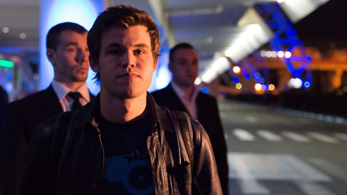 Magnus Carlsen bei seiner Ankunft am Adler Airport in Sotschi.
