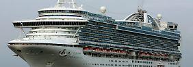 """Das Kreuzfahrtschiff """"Crown Princess"""" erlangte in der Vergangenheit schon mehrfach wegen Virenbefalls Negativschlagzeilen."""