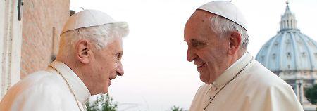 Diskussion um Benedikt: Ein Schattenpapst im Vatikan?