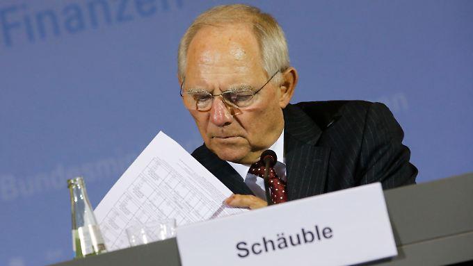 """Finanzminister Wolfgang Schäuble sagt über seinen Haushalt: """"Wir müssen uns mit Ernsthaftigkeit und Disziplin auf das Wesentliche fokussieren und unseren Kurs halten."""""""