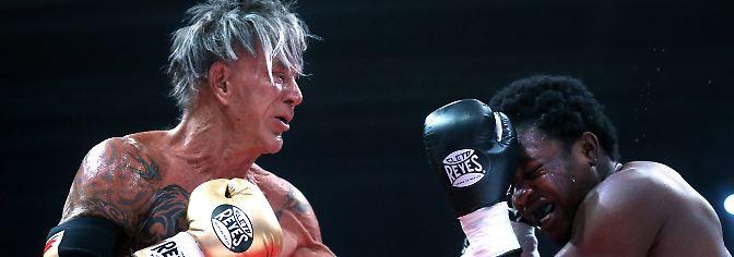 Mit 62 Jahren im Boxring: Mickey Rourke lässt die Fäuste sprechen