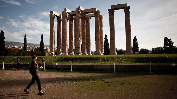 Auf wackeligen Beinen: Immer mehr Anleger sehen Griechenland im kommenden Jahr den Euro verlassen.