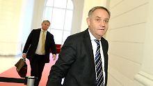 Rainer Schwarz auf dem Weg zum Untersuchungsausschuss.