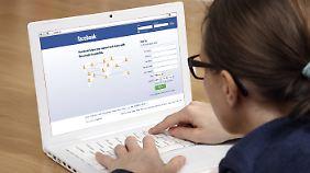 Ausgesperrt vom eigenen Facebook-Profil? Es gibt Möglichkeiten, sich wieder Zugang zu verschaffen.