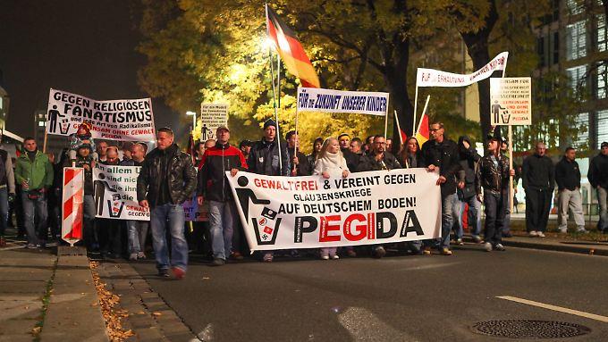 An diesem Montag brachte die Pegida-Bewegung etwa 11.000 Leute auf die Straße.