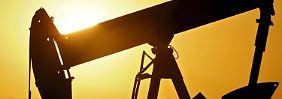 Die Öl-Förderländer kämpfen mit sinkenden Preisen.