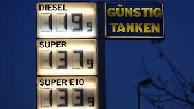 Freude beim Verbraucher: Benzin und Heizöl so billig wie seit Jahren nicht mehr