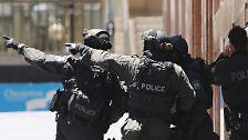 """Seitdem gilt in dem Land erhöhter Terroralarm. Es gilt Alarmstufe drei der vierstufigen Skala, was bedeutet: """"Terroranschlag wahrscheinlich""""."""