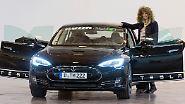 Aber egal, denn richtig punkten kann bei den weiblichen Juroren nur der Tesla Model S von Elon Musk. Platzt eins für DAS Elektroauto. Natürlich bleibt es nicht aus, dass auch nach dem besten Familienauto gefragt wird, ...
