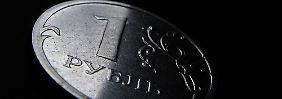 Rubel rollt dem Abgrund entgegen: Auch deutsche Anleger sind betroffen