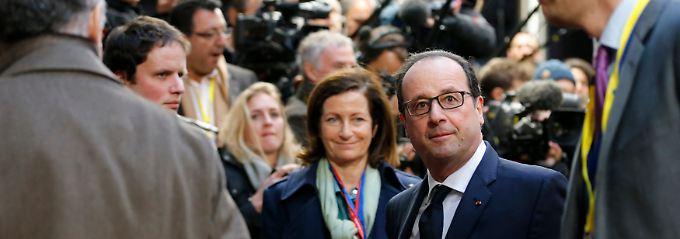 Billigeres Öl? Ein schwächerer Euro? Beides kommt Frankreichs Staatspräsident Hollande (2.v.r.) sehr gelegen.