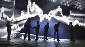 Trotz unruhiger Zeiten: Anlagestrategen für das Börsenjahr 2015 optimistisch