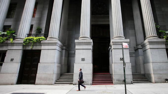Früherer Feierabend, ein Tag Pause: die Wall Street in New York.