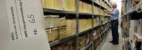 Rund 37.000 Menschen beantragten in diesem Jahr zum ersten Mal eine persönliche Akteneinsicht in der Stasi-Unterlagen-Behörde.