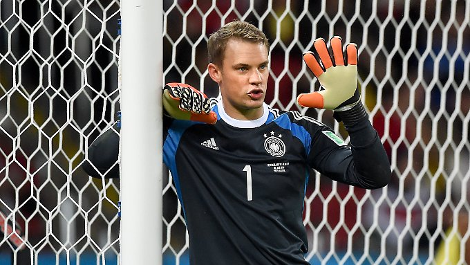 """Der beste Fußballer des Jahres 2014 stand für die """"L'Equipe"""" im Tor des FC Bayern und des DFB-Teams und hieß Manuel Neuer."""
