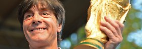 Einer der drei weltbesten Coaches: Netzer adelt Weltmeistertrainer Löw