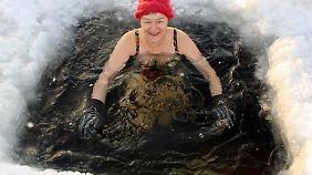 In Skellefteĺ in Nordschweden herrschen im Winter ideale Bedingungen für das Eisschwimmen. Grafik: dpa-infografik Foto: dpa-infografik