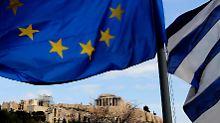 Ein Austritt des schuldengeplagten Staates ist aus Sicht von Kanzlerin Angela Merkel und Finanzminister Wolfgang Schäuble mittlerweile verkraftbar.
