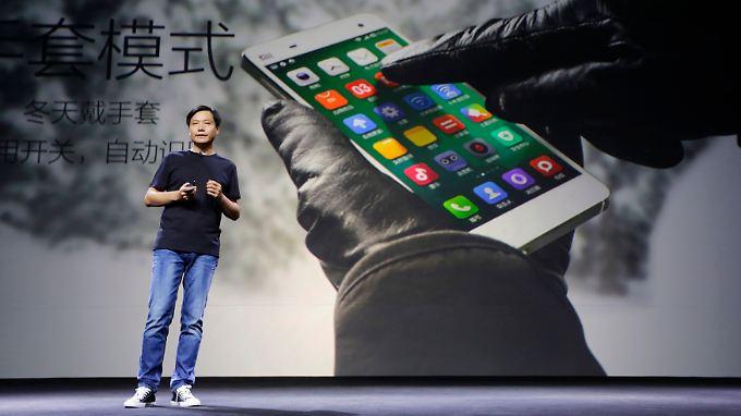 Firmen-Gründer Lei Jun bei einer Produktpräsentation.