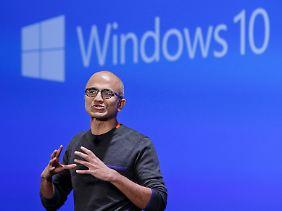 Steuert den Konzern um: Microsoft-Chef Satya Nadella.