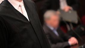 750.000 Kunden warten auf Geld: Ex-Manager von Teldafax erneut vor Gericht