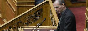 Der griechische Finanzminister Varoufakis traf zum ersten Mal auf seine Kollegen aus der Währungsunion