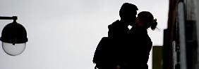 """""""Blindheit"""", Stress und Herzklopfen: Was Verliebtsein anrichten kann"""