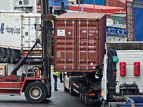 Den stärksten Anstieg bei der sogenannten Tonnage gab es 2014 im Straßenverkehr.