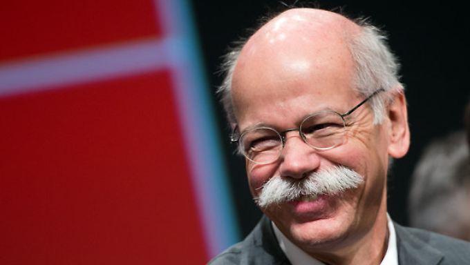 Ein 8,36-Millionen-Euro-Lächeln: Daimler-Chef Dieter Zetsche düfte den Erfolg auch im Portemonnaie fühlen.