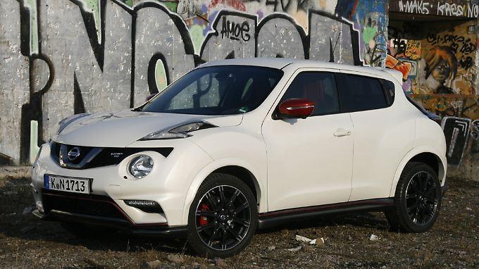 Farbige Spiegelkappen und ordentlich Dampf unter der Haube. So zeigt sich der Nissan Juke NIsmo auch in Berlin.