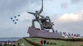 Militärparade in Sewastopol im Dezember