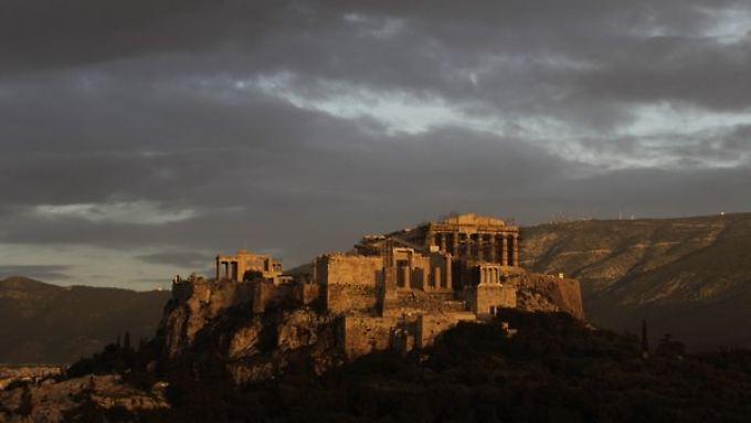 Die Lage in Athen wird nur langsam Klarer. Sicher scheint aber, dass das Land weitere Milliarden benötigt.