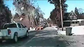15 Menschen verletzt: Polizeikamera filmt Haus-Explosion in New Jersey